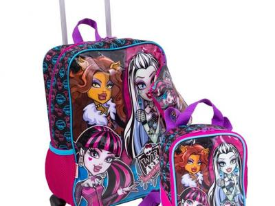 São Gonçalo Shopping_Bagaggio_Kit mochilete, lancheira e estojo Monster High