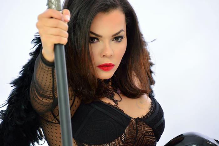 Ensaio Bad Girl com Michelly Boechat