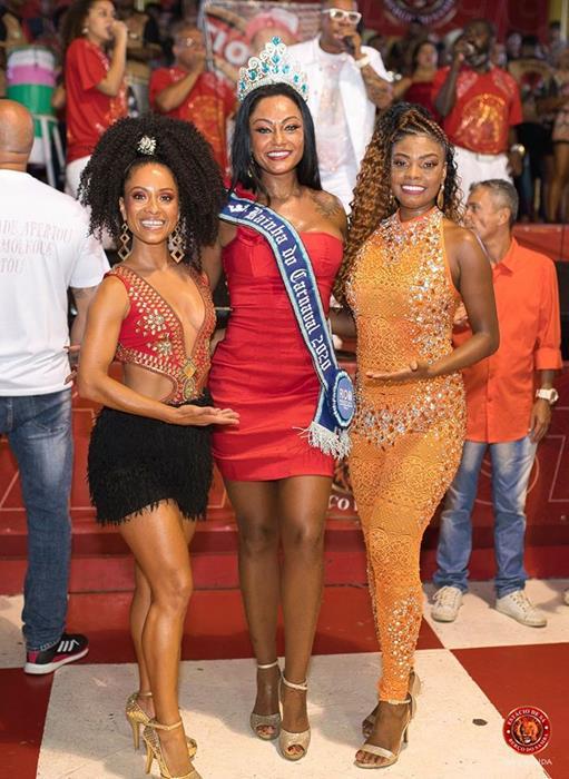 Musas Cinara Leal e Pérola Arruda com Rainha do Carnaval